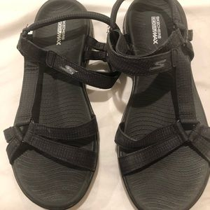 Size 10 Black Sketchers sandals